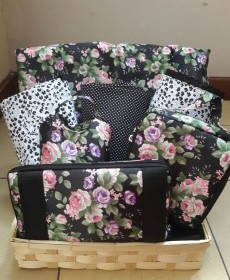 Ramadan Gift Black and Pink Flowers